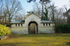 Petit porche du cimetière