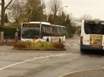 Quand deux bus se croisent devant le Stade, embouteillages inévitables...